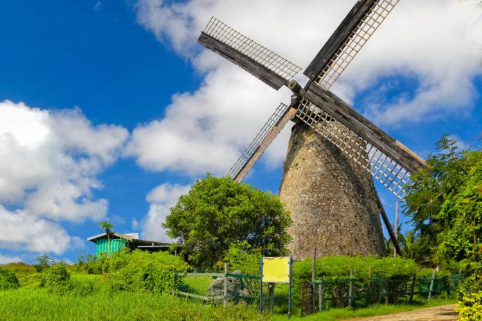 Die Morgan Lewis Mill ist eine der beiden einzigen intakten und restaurierten Windmühlen zur Herstellung von Zucker in der Karibik, Barbados - © onepony / Fotolia
