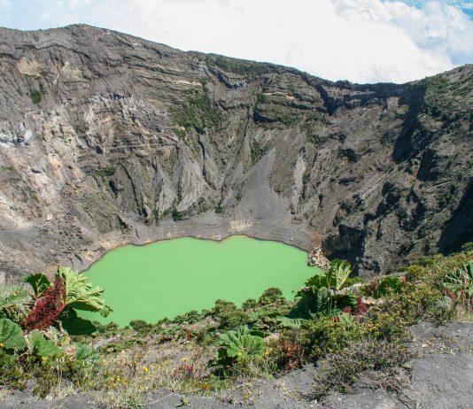 Der Vulkan Irazú ist mit seinen 3.432 Metern der höchste der sechs aktiven Vulkane Costa Ricas - © Isabella Wertschnig / Fotolia