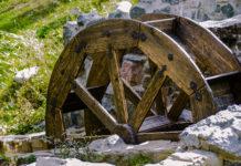 Errichtet im Jahr 1773 war die alte Mühle Dominicas erste Stätte zur Zuckerrohrverarbeitung und Rum-Destillerie - © dogi / Shutterstock