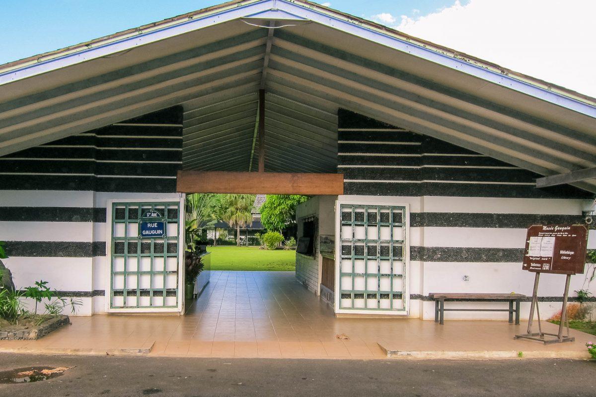 """Das Gauguin-Museum auf der Insel Tahiti erzählt über das Leben des französischen Malers Paul Gauguin nach seiner """"Flucht"""" aus Europa, Französisch-Polynesien - © Wmpearl CC0 1.0/Wiki"""
