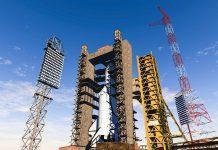 Der Weltraumbahnhof von Baikonur in der Steppe Kasachstans ist der größte Raketenstartplatz der Welt - ©  iurii / Shutterstock