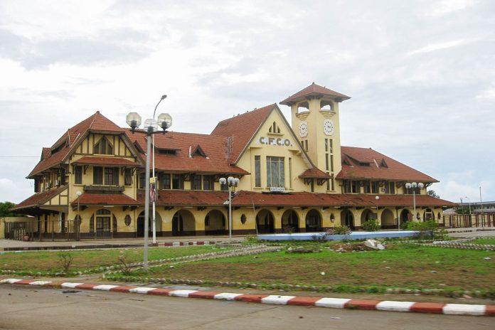 Der Bahnhof von Point Noire in der Republik Kongo - © unsonique CC BY-SA3.0/Wiki