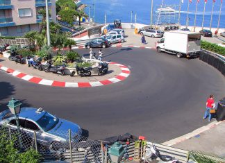 """Der traditionelle Formel-1 Stadtkurs """"Circuit de Monaco"""" ist bereit für die schnellsten Autofahrer der Welt, Monaco - © Francesco Dazzi / Shutterstock"""