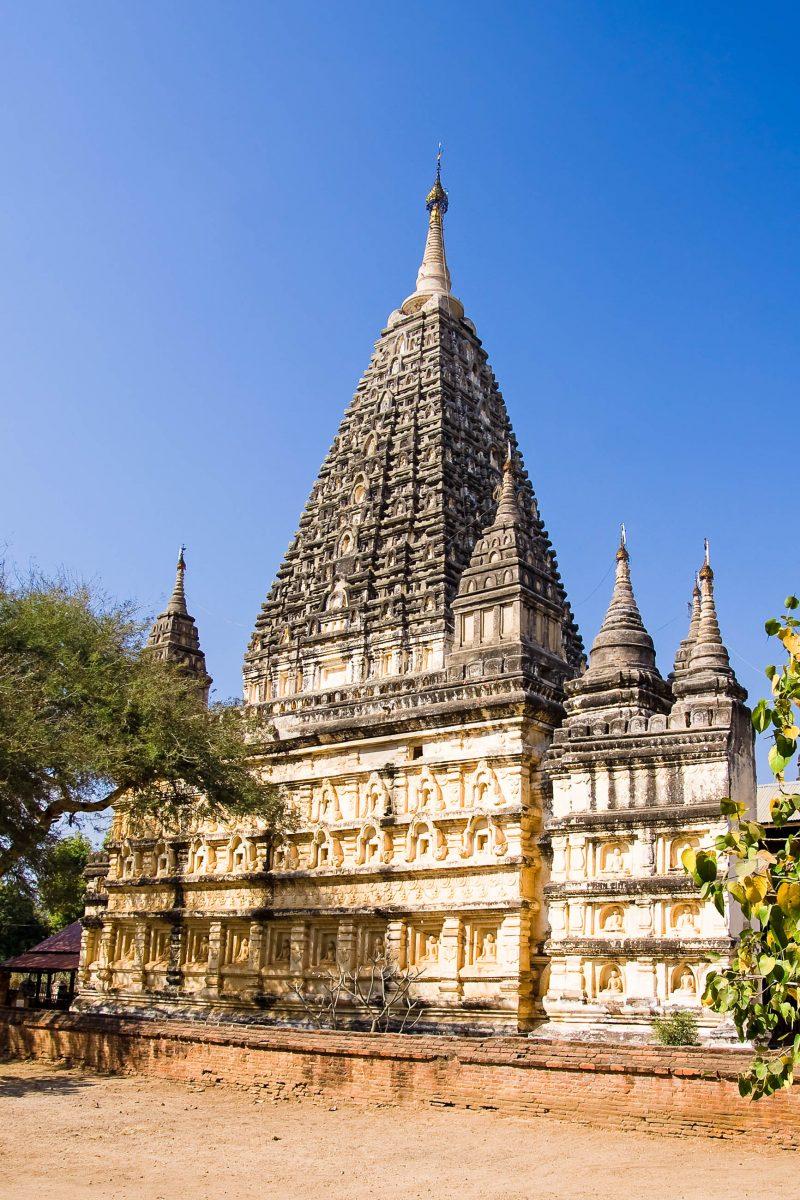 Der Mahabodhi Tempel in der Tempelstadt Bagan in Myanmar - © Mikhail Nekrasov / Shutterstock