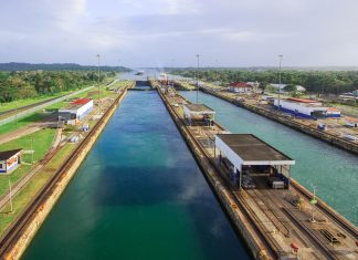 Der Panama-Kanal führt durch die Landenge zwischen Nord- und Südamerika und verbindet das Karibische Meer mit dem Pazifischen Ozean - © DazGee / Fotolia