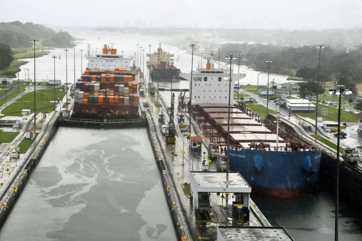 Gatun Schleuse im Panamakanal, Panama - © meunierd / Shutterstock