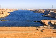 Blick vom Assuan Staudamm, auch bekannt unter Sadd el Ali-Hochdamm, auf den Nil, Ägypten - © ostill / Shutterstock