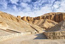 Das weltberühmte Tal der Könige, eine Ansammlung von Grabstätten ägyptischer Herrscher - © feferoni / Fotolia