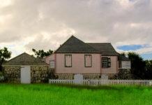 Das Wallblake House aus dem 18. Jahrhundert ist das einzige übrig gebliebene Plantagenhaus Anguillas - © JosveekHuligar CC BY-SA3.0/Wiki