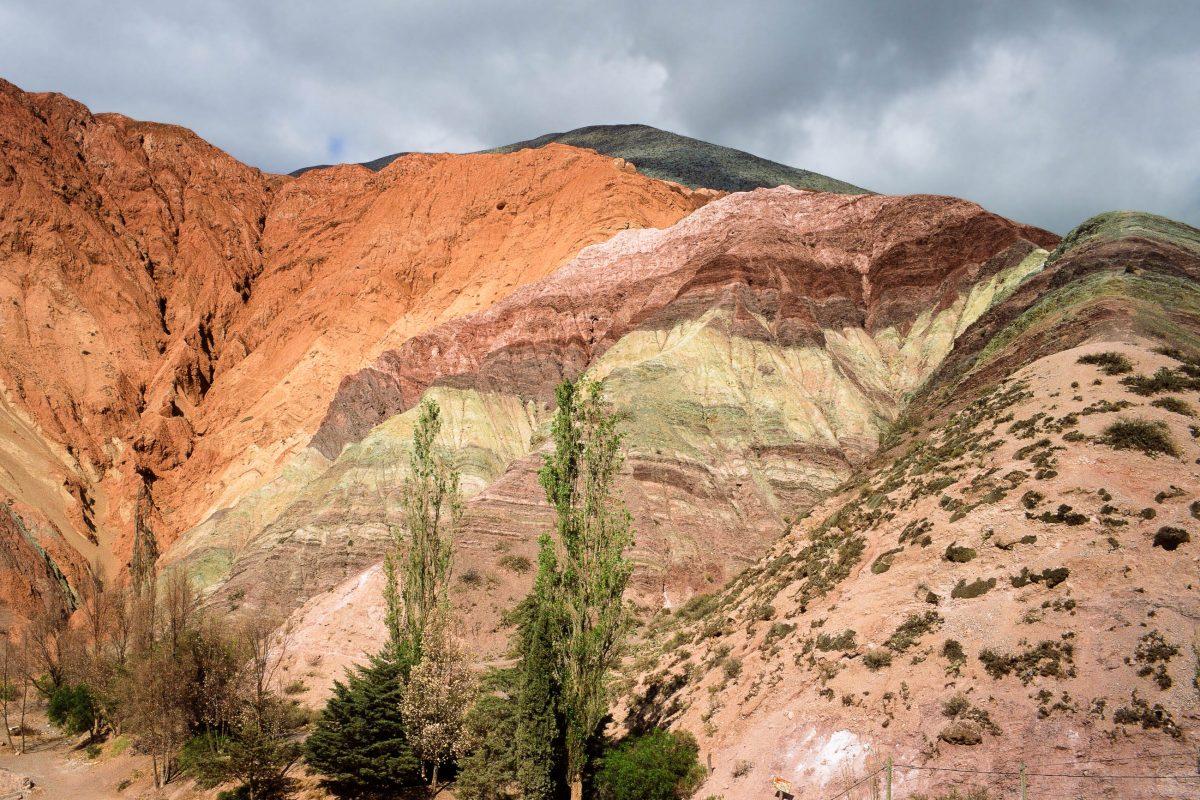 """""""Cerro de los Siete Colores"""", eines der Highlights der Quebrada de Humahuaca, Argentinien - © Alfredo Cerra / Shutterstock"""