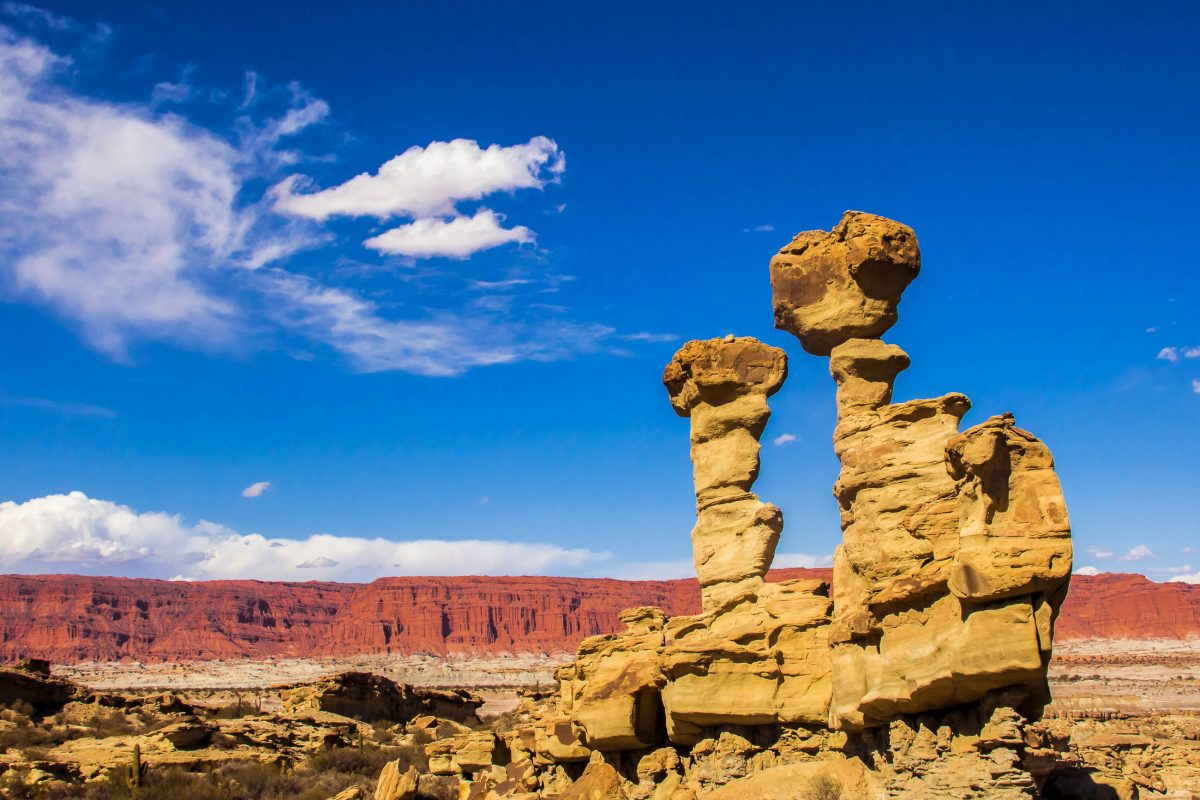 "Die Gesteinsformation ""Das U-Boot"" im Ischigualasto-Nationalpark in Argentien - © Marc Venema / Shutterstock"