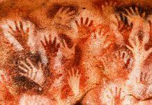 """Felsmalereien in der Cueva de las Manos, der """"Höhle der Hände"""" in der Provinz Santa Cruz im Süden von Argentinien - © alphacero / Fotolia"""