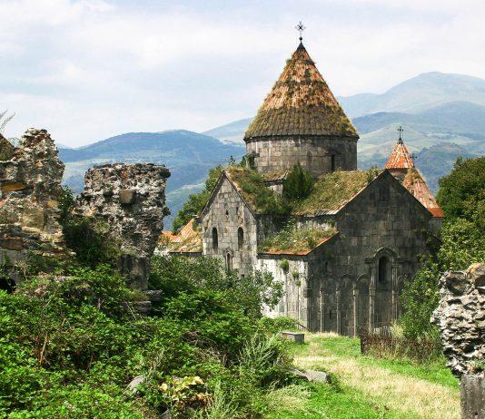 Das Kloster Sanahin in der Provinz Lori wurde im 10. Jahrhundert gegründet und ist heute eine der am besten erhaltenen Klosteranlagen des Landes, Armenien - © Nadia Ivanova / Fotolia