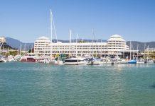 Der Yachthafen in Cairns, Queensland, Australien - © kikkerdirk / Fotolia