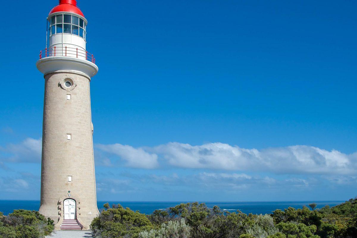 Der Leuchtturm am Cape Couedic im Flinders Chase Nationalpark auf Kangaroo Island, Australien - © Hank Shiffman / Shutterstock