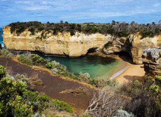 Die Great Ocean Road im australischen Bundesstaat Victoria ist wohl die bekannteste Panoramastraße Australiens und verläuft über etwa 250km zwischen Geelong und Warrnambool, Australien - © ezk / franks-travelbox