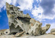 """Kunstvoll von der Natur geformter Felsen, die so genannten """"Remarkable Rocks"""", im Flinders Chase Nationalpark auf Kangaroo Island, Australien - © sbgoodwin / Fotolia"""