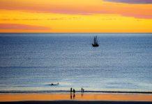 Sonnenuntergang am malerischen 20km langen Sandstrand Cable Beach, Australien - © Christian Haessler / Fotolia