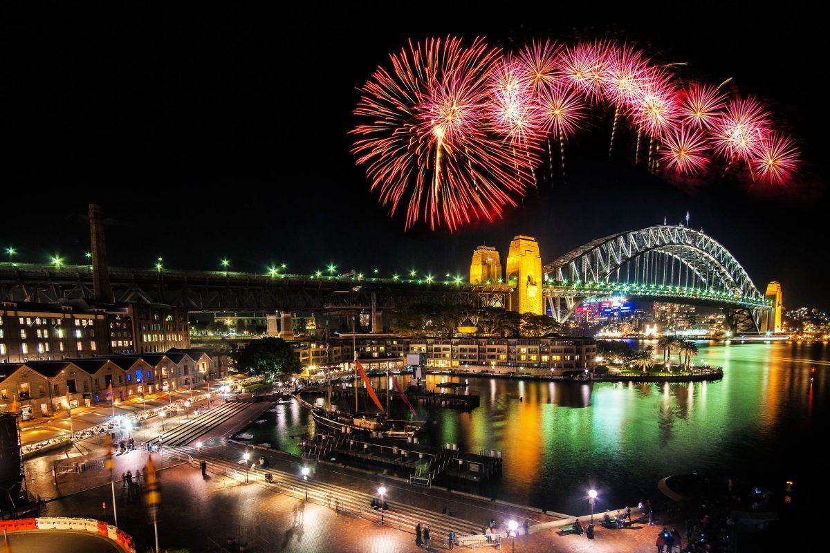 Sydney ist die erste Metropole weltweit, in der der Uhrzeiger zu Silvester auf Mitternacht springt, Australien - © harper kt / Shutterstock
