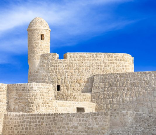 Das portugiesische Fort von Bahrain dominiert die historische Stadt Qal'at al-Bahrain noch heute - © Dr Ajay Kumar Singh / Fotolia