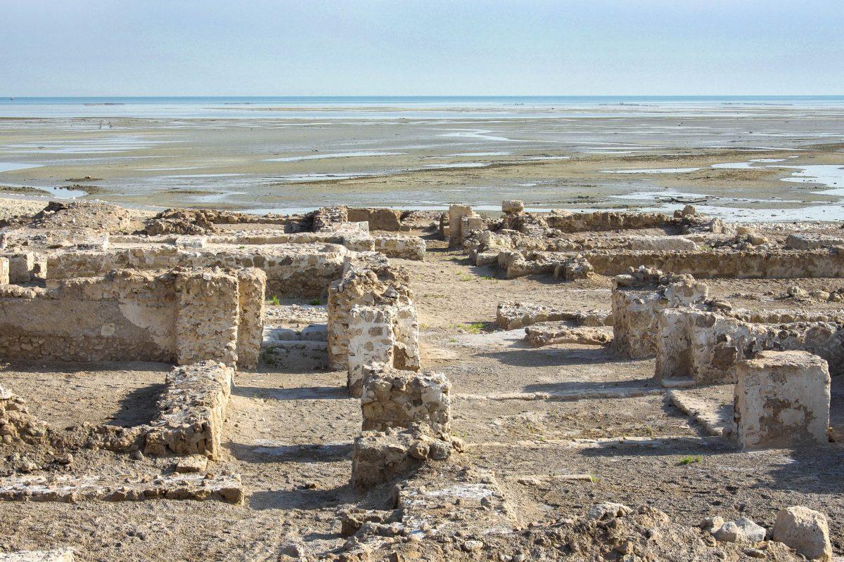 Qal'at al-Bahrain ist die wichtigste historische Stätte in Bahrain - © Dr Ajay KumarSingh/Shutterstock