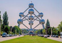 Das Atomium in Brüssel wurde für die Weltausstellung 1958 errichtet und ist mittlerweile das Wahrzeichen von Belgiens Hauptstadt - © SABAM 2016/Christophe Licoppe