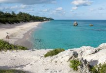 Der atemberaubende Horshoe Beach wird immer wieder als der beliebteste und schönste Strand Bermudas tituliert - © Steeve ROCHE - Fotolia