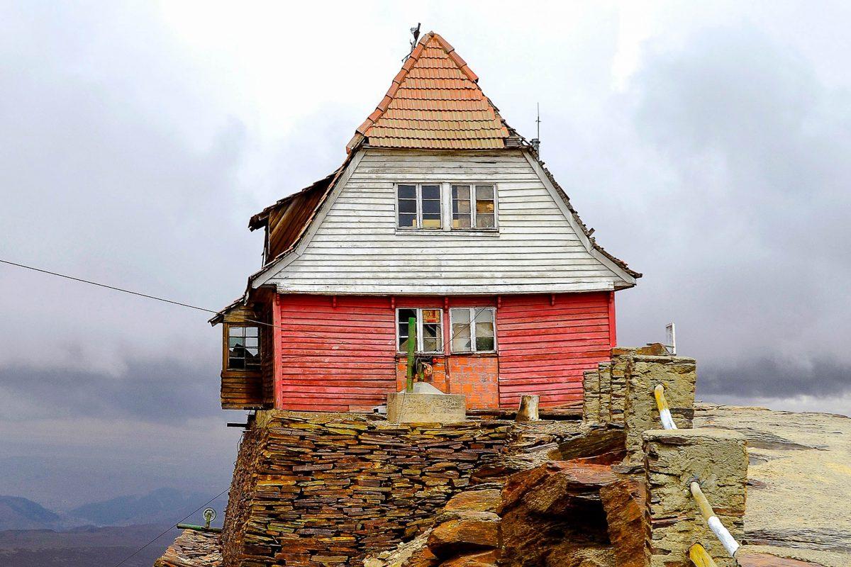 Am einstigen Gletscher Chacaltaya in Bolivien befindet sich heute noch der älteste Schlepplift Südamerikas, 1939 von einem österreichischen Ingenieur errichtet - © tr3gin / Shutterstock