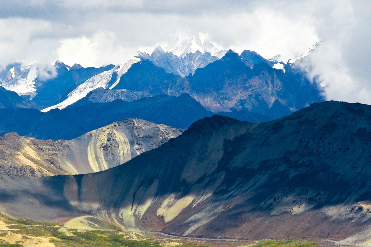 Der Chacaltaya in der Gebirgskette Cordillera Real im Westen Boliviens war einst das höchstegelegene Skigebiet der Welt, Bolivien - © Steffen Foerster / Shutterstock