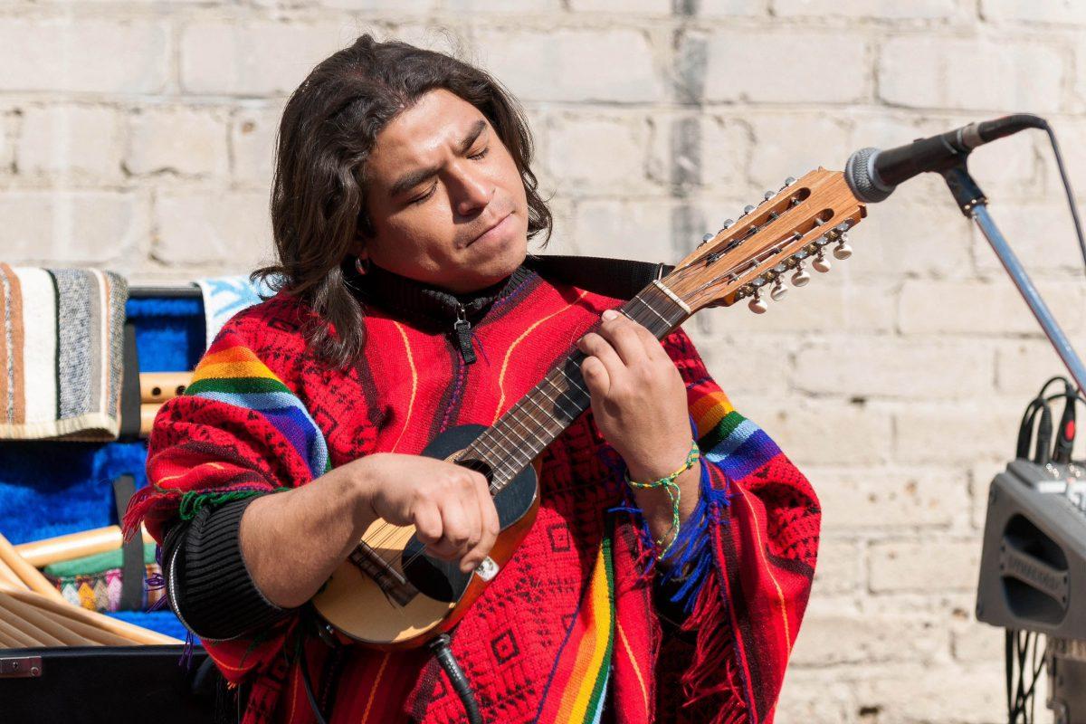 Im Charango-Museum in der Calle Linares in La Paz erfahren Besucher alles über Geschichte, Fertigung und Musik der Mini-Gitarre, Bolivien - © Grinchenkova Anzhela / Shutterstock
