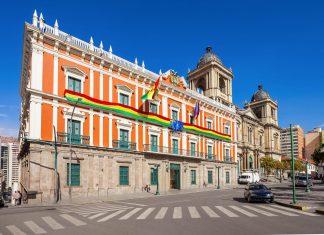 Das ehemalige Rathaus und heute Sitz des Präsidenten von Bolivien in La Paz heißt auch Palacio Quemado, Verbrannter Palast - © saiko3p / Shutterstock