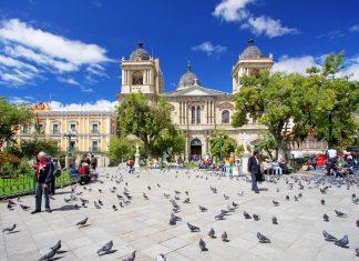 Zeit seines Bestehens war der Plaza Murillo in La Paz, Bolivien, Schauplatz politischer Debatten, Demonstrationen und Revolutionen - © Dan Breckwoldt / Shutterstock