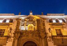 Das Casa Real de la Moneda im Zentrum von Potosí, Bolivien, gilt als eines der schönsten und wichtigsten Zeugnissen spanischer Kolonialarchitektur - © Matyas Rehak / Shutterstock