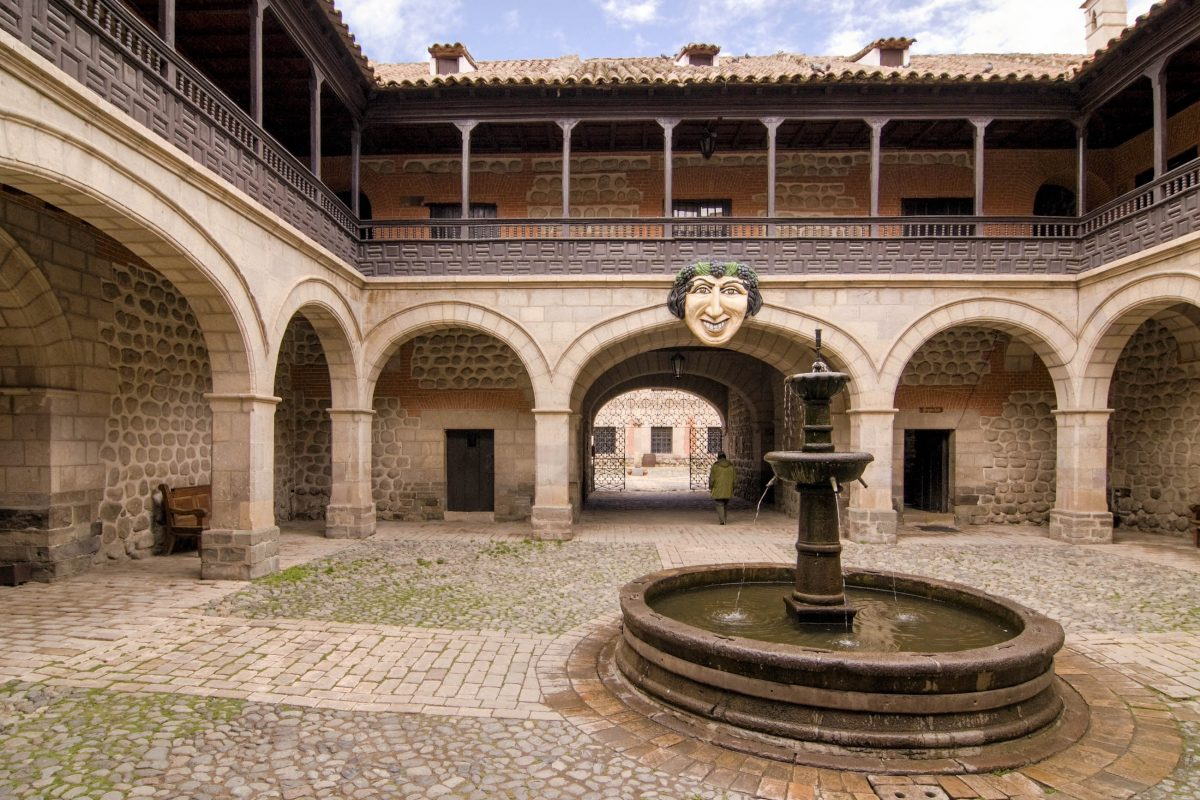 Das Casa Royal de la Moneda in Potosí, Bolivien, war im 16. Jahrhundert eines der größten und teuersten Bauprojekte Spaniens - © Eduardo Rivero / Shutterstock