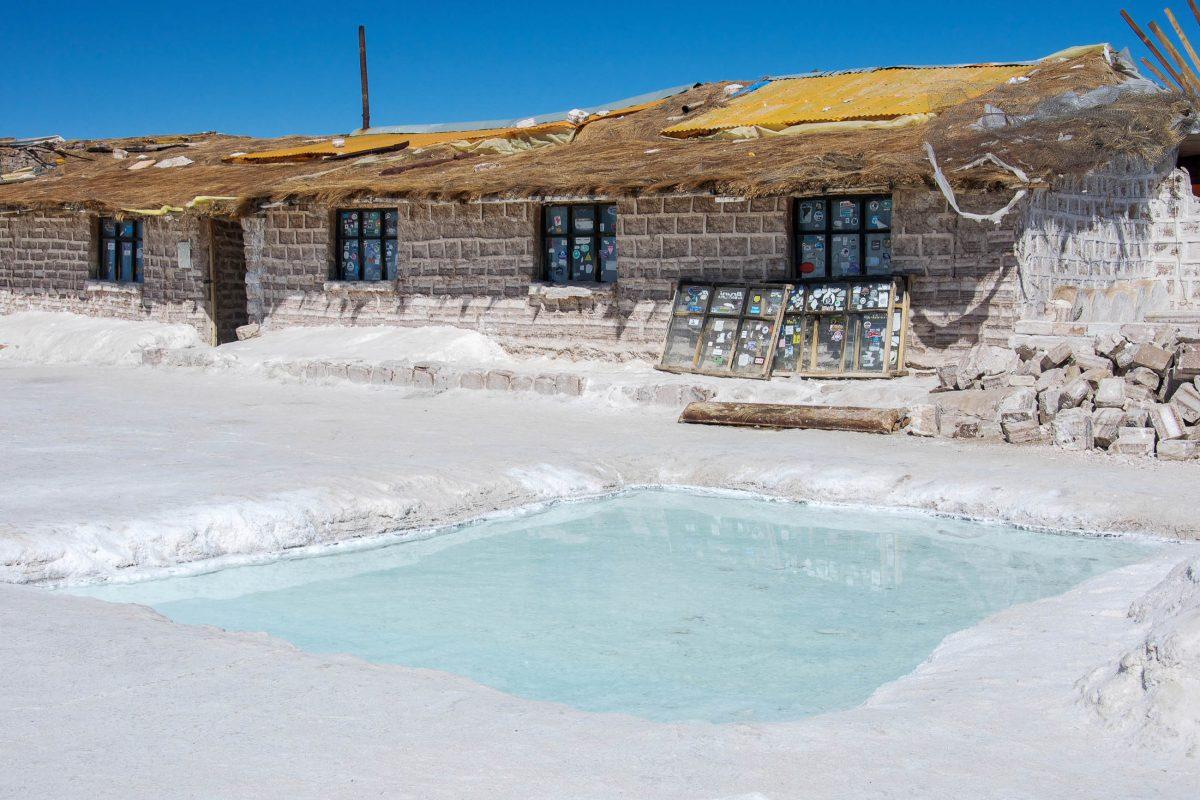 Rund eine Million Salzblöcke wurden für den Bau des Salzhotels auf dem Salar de Uyuni in Bolivien verwendet - © flog / franks-travelbox.com