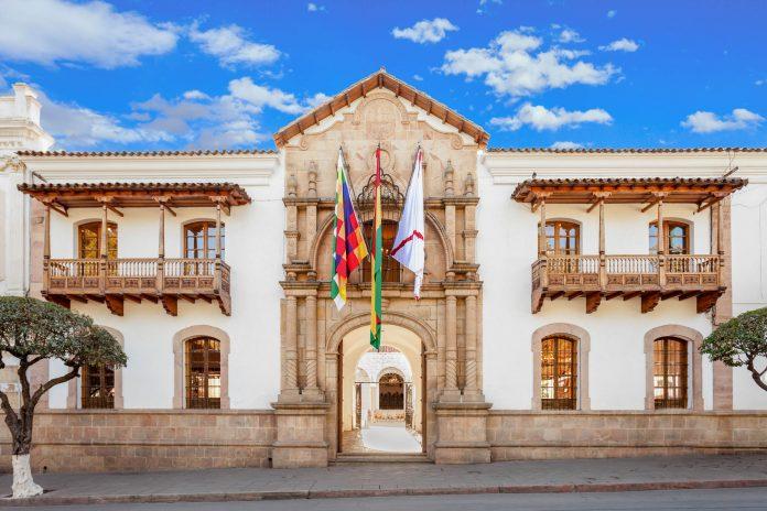 """Das Casa de la Libertad im Zentrum von Sucre ist die """"Geburtsstätte Boliviens"""" - © saiko3p / Shutterstock"""