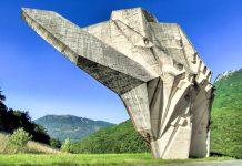 """Das Denkmal """"Tal der Helden"""" wurde in den 1970ern vom serbischen Bildhauer Miodrag Živković erbaut, Bosnien-Herzegowina - © Gordan Kos / Fotolia"""
