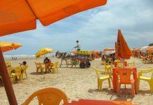 Vor allem am Wochenende, wenn auch die Einheimischen in Scharen zum Strand pilgern, ist der Praia Atalaia südlich von Aracaju ziemlich überlaufen, Brasilien - © FRASHO / franks-travelbox