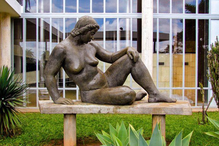 Das Pampulha Art Museum in Belo Horizonte war das erste Werk des berühmten Architekten Oscar Niemeyer, Brasilien - © EduardoCoutinho CC BY-SA3.0/Wiki