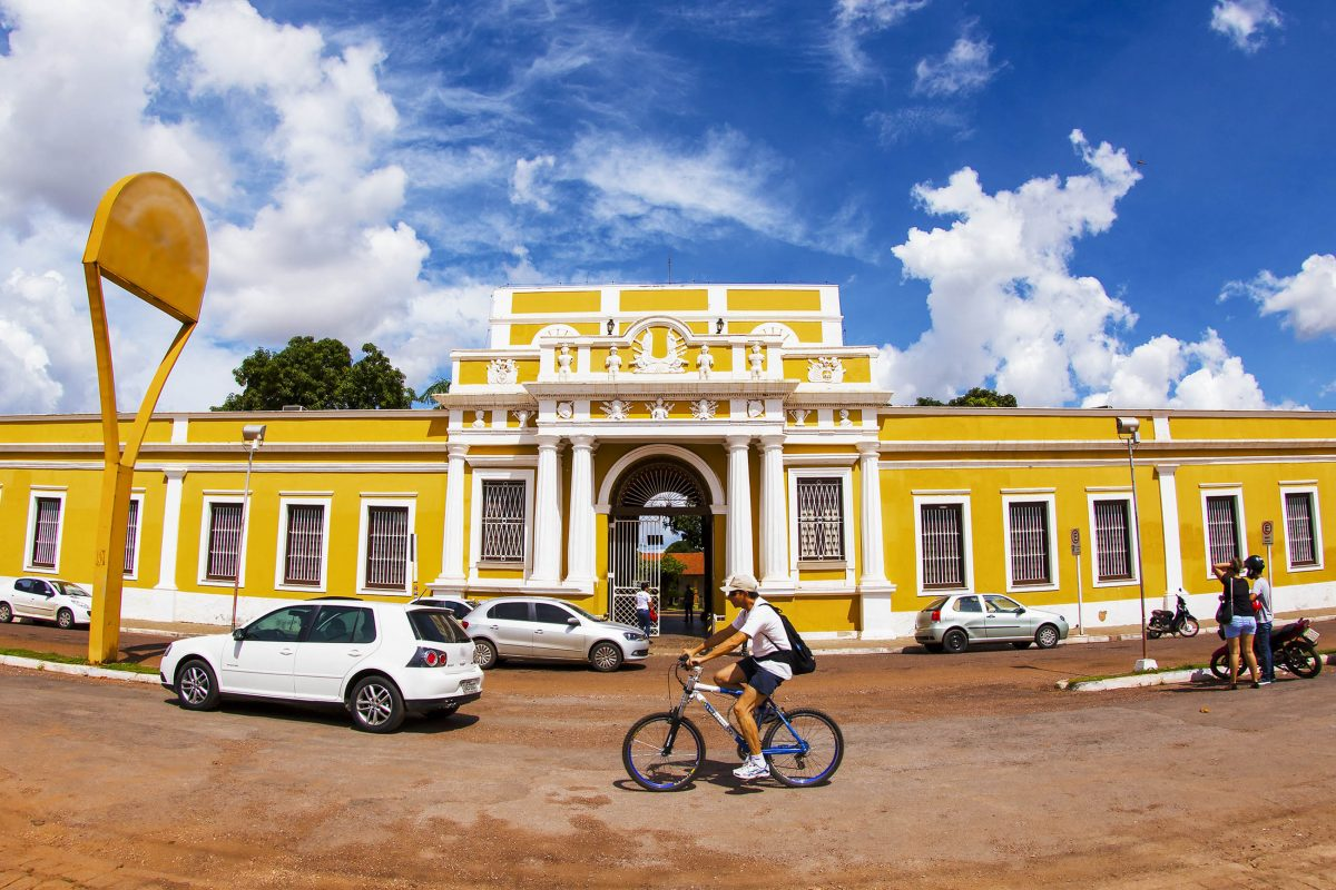 Das heutige Kulturzentrum von Cuiabá, Brasilien, wurde einst als Waffenarsenal genutzt - © Roberto Tetsuo Okamura / Shutterstock