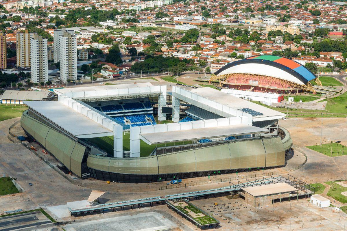 Die Arena Pantanal in der brasilianischen Stadt Cuiaba am Rande des unberührten Naturparadieses Pantanal ist ein Austragungsort der Fuball-WM 2014 - © Brazilian Government CC BY3.0/W