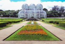 Der botanische Garten von Curitiba ist an den Stil französicher Landschaftsarchitektur angelehnt, Brasilien - © Alexander Bark / Shutterstock