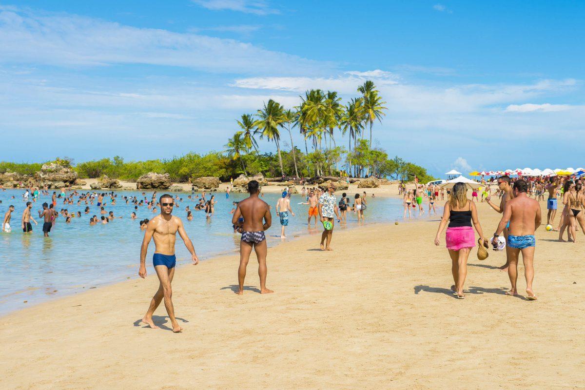 Der zweite Strand ist der beliebteste und auch belebteste von Morro de São Paulo, Brasilien - © lazyllama / Shutterstock