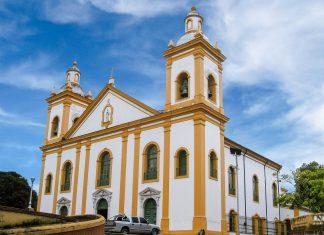 Die Catedral Metropolitana in der brasilianischen Stadt Manaus war die erste Kirche, die in der Stadt errichtet wurde, Brasilien - © bumihills / Shutterstock