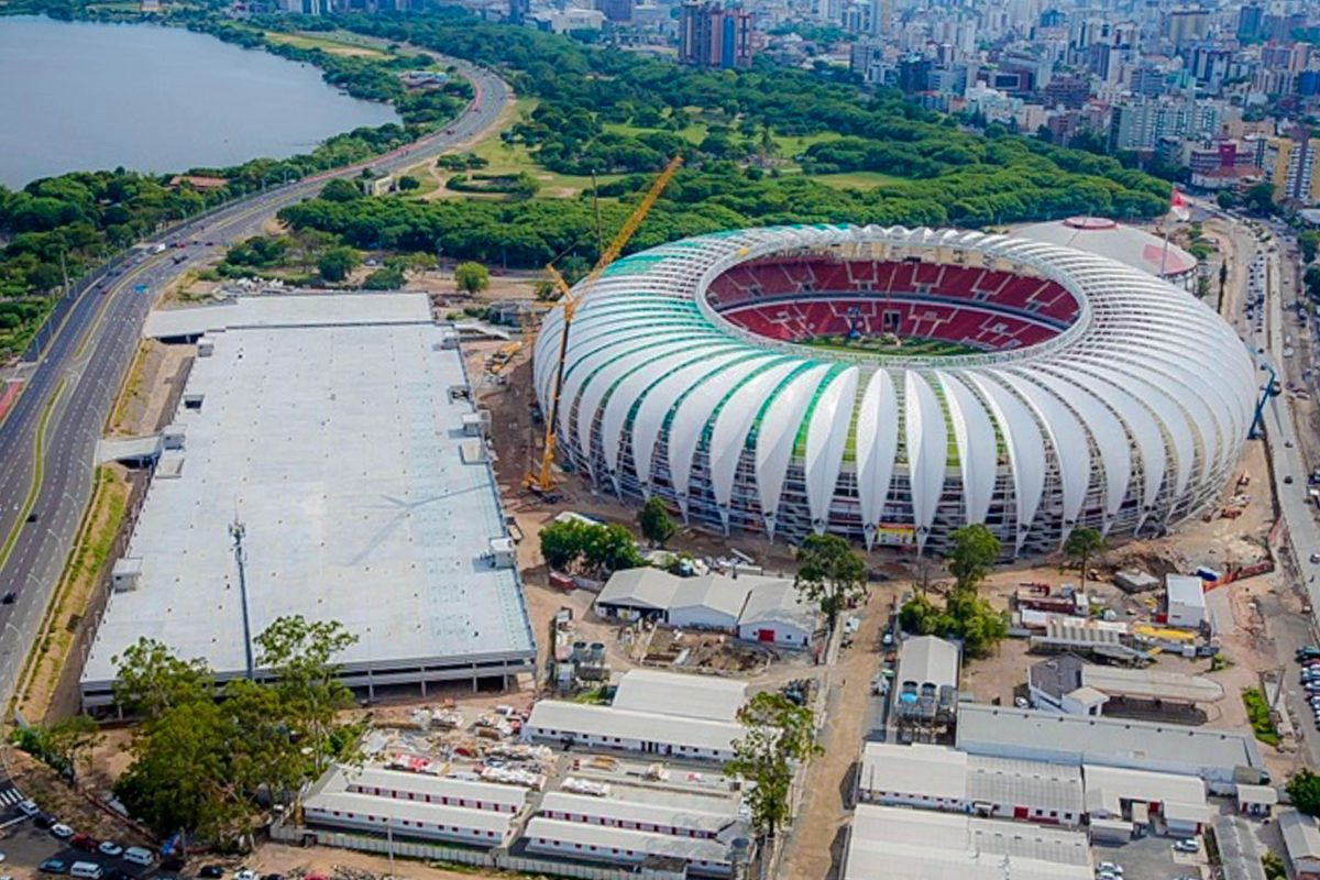 Das Estádio Beira-Rio in der brasilianischen Stadt Porto Alegre ist eine Austragungsstätte der Fußball-WM 2014 - © Portal da Copa CC BY3.0BR/W