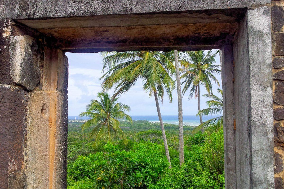 Das Castelo Garcia d'Avila liegt auf dem höchsten Punkt zwischen Salvador und Aracaju und bietet einen spektakulären Rundumblick über die Küste Bahias, Brasilien - © FRASHO / franks-travelbox