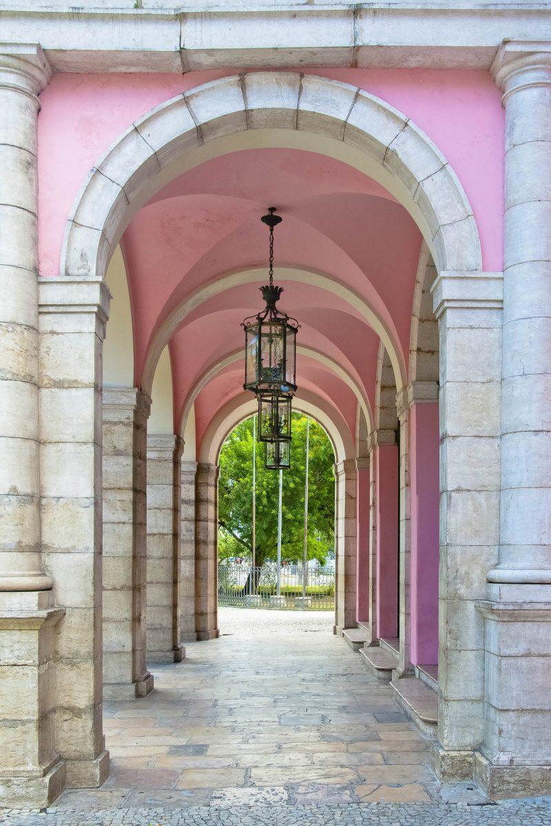Das Teatro de Santa Isabel wurde 1850 eröffnet und nach der Heiligen Elisabeth, Königin von Portugal, benannt, Recife, Brasilien - © Vitoriano Junior / Shutterstock