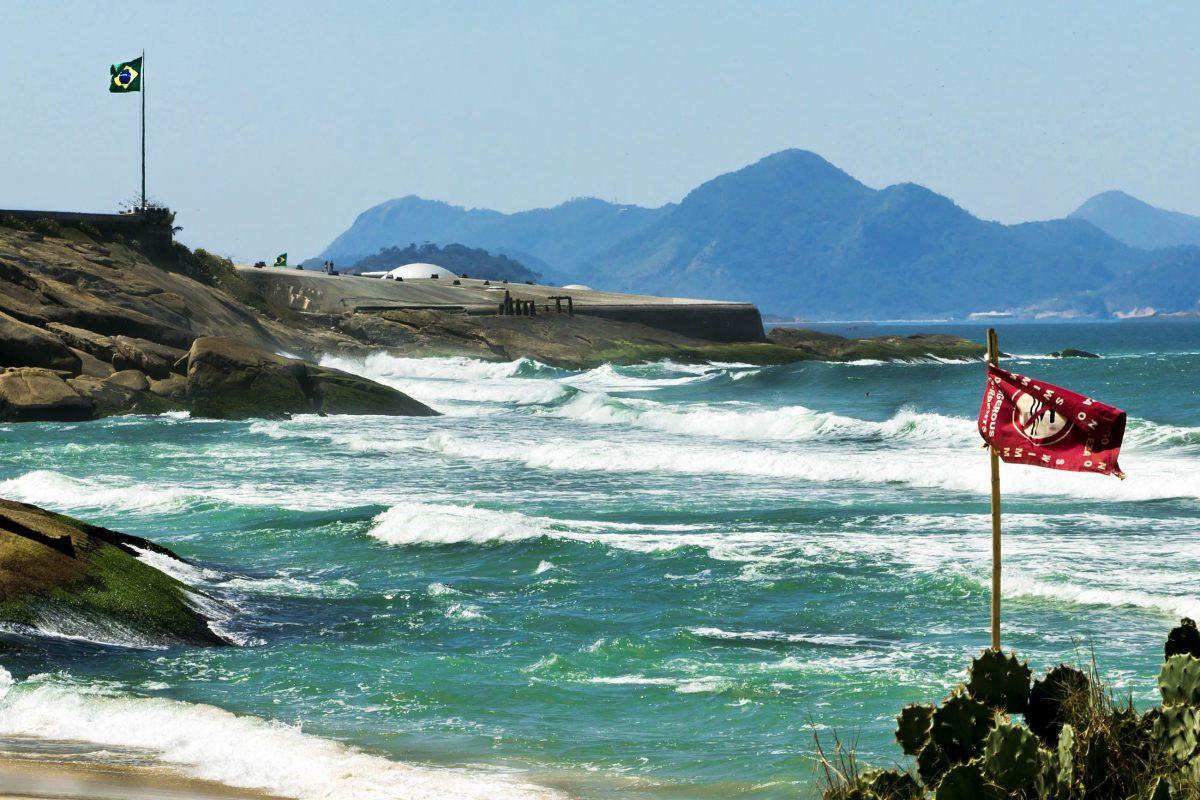 1987 wurde die Küstenverteidigung von Rio de Janeiro zurückgezogen und damit auch die Besetzung des Copacabana-Forts aufgelöst, Brasilien - © Su Justen / Shutterstock