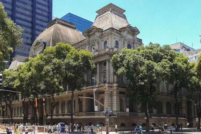 Das Museu Nacional de Belas Artes in Rio de Janeiro ist eines der bedeutendsten Museen für brasilianische Kunst und zählt seit 1973 zu den Kulturgütern Brasiliens - © Dornicke CC BY SA4.0, Wiki