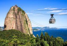 Der weltberühmte Zuckerhut - auch bekannt als Pao de Açúcar in Rio de Janeiro, Brasilien - © John Copland / Shutterstock